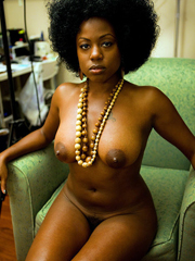 African queens, nude and sucking dick..