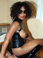 Big ass ebony women photographed nude..