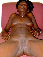 Naked black afro whore spreads her old..