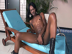 Tempting t-girl Jessica stroking her long cock