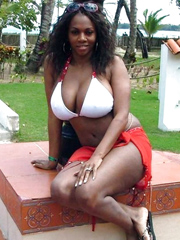 Ebony housewives with some raunchy sex..