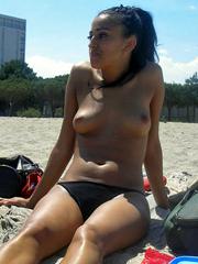 Sexy Ebony GF posing slutty on cam