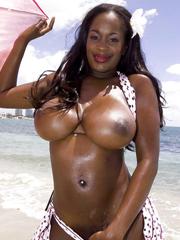 Black tits bikini slut Nikki Jaye does..